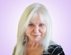 Read psychic reader Sandra's photo